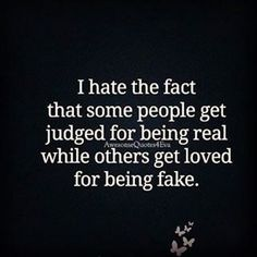 New quotes friendship fake friends truths ideas Smile Quotes, New Quotes, Happy Quotes, True Quotes, Words Quotes, Quotes To Live By, Funny Quotes, Inspirational Quotes, Sayings