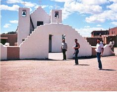 ARCHITECTURE OF SAN GERONIMO, A NATIVE CHURCH IN N.M.