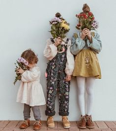 Spending Saturday with our head in the flowers! Cute Kids, Cute Babies, Baby Kids, Little People, Little Ones, Fotografia Social, Babe, Foto Baby, Poses