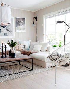 Living Room Inspirations: A Pile of Pillows Helps The Medicine Go Down | #livingroomideas #livingroomfurniture #livingroompillows #livingroomdecor #livingroominspiration