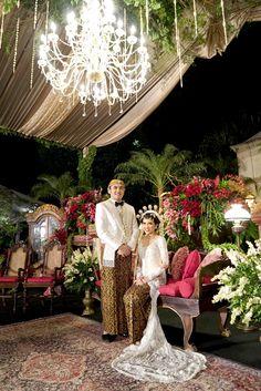 Bridal Party Photography Brides Bridesmaid 61 Ideas For 2019 Javanese Wedding, Indonesian Wedding, Wedding Photography With Kids, Party Photography, Photography Poses, Fashion Photography, Wedding Poses, Wedding Couples, Wedding Dresses