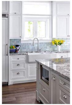 Blue Kitchen Decor, Kitchen Redo, Kitchen Remodel, Blue Kitchen Tiles, Kitchen Island, Turquoise Kitchen, Kitchen Decorations, Kitchen Ideas, Home Design
