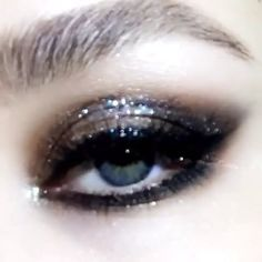 """Makeup lovers of the world Get Ready For This News! Makeup lovers of the world Get Ready For This News! Pat McGrath is world renown for her makeup artistry on the runways, in… """""""" Smoky Eye Makeup, Eye Makeup Tips, Makeup Inspo, Makeup Inspiration, Beauty Makeup, Face Makeup, Makeup Ideas, Edgy Makeup, Eyeliner Makeup"""