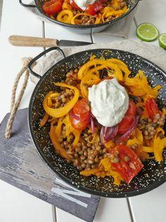 Poêlée de lentilles aux légumes. Sauce aux noix et basilic. ( Sans céréales, Vegan ou pas...)