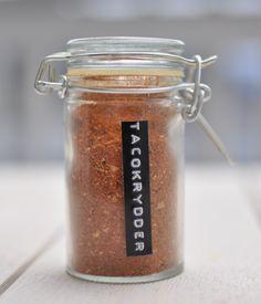 tacokrydder Pepper, Food, Cilantro, Corning Glass, Essen, Meals, Yemek, Eten