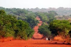 La Guinée -- the red dirt that got EVERYWHERE and resulted in much washing of feet.