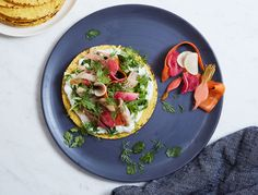 Cali and Scandi cuisine might not sound like a harmonious pair, but we loved this hybrid of classics: Tostada meets smørrebrød!
