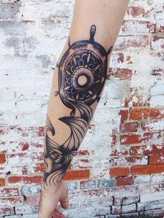 Gah love the placement of the ship wheel ♥