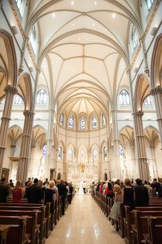 St Paul Cathedral Weddings. Pittsburgh Wedding Photos.