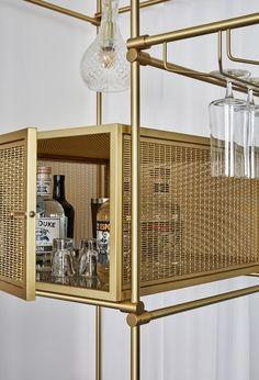 Trendy home bar display design ideas Luxury Design, Kitchen Bar, Decor, Hotels Design, Mini Bar, Bar Displays, Home Decor, Bar Shelves, Display Shelves
