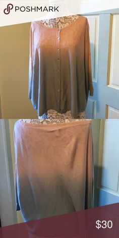 3/4 sleeve sweater This beautiful chic sweater is looking for a new home size small, oversized sweater Chan Luu Sweaters Cardigans