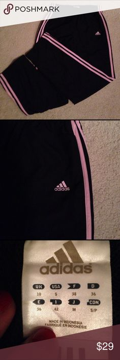 Adidas black pink stripes athletic pants, S Adidas black pink stripes athletic pants, Small, elastic & drawstring waist, zippers on bottom of both legs. Front pockets. Great condition, waist 26, inseam 31, Adidas Pants Track Pants & Joggers