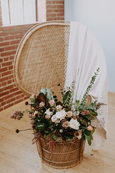 Holloway House in Oklahoma City provided the perfect blank slate for this Southwestern wedding inspiration. Local Embers & Co photographed the styled shoot. Boho Wedding, Wedding Blog, Floral Wedding, Wedding Styles, Bohemian Weddings, Wedding Flowers, Holloway House, Southwestern Wedding, Modern Wedding Inspiration