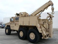 Military Tow Wrecker Trck