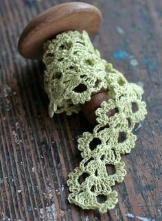 Hand Crocheted Linen Edging, Lace Trim -- yellowgreen
