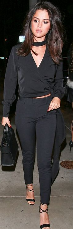 Selena Gomez in Purse – Givenchy Pants – AYR Shirt – L'Academie Shoes – Brian Atwood Brian Atwood, Celebrity Hairstyles, Trendy Hairstyles, Selena Gomez Casual, Selena Gomez Long Hair, Selena Gomez Haircut, Selena Gomez Hair Color, Selena Gimez, Short Hair Cuts