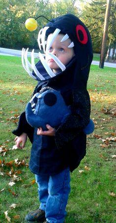 Anglerfish Costume with felt anglerfish toy. Diy Baby Costumes, Themed Halloween Costumes, Robot Costumes, Halloween Ii, Halloween Carnival, Homemade Costumes, Halloween Items, Creative Halloween Costumes, Holidays Halloween