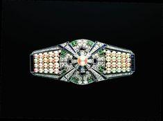 ミキモト、ロンドンV&A博物館の真珠展に出展。秘蔵ジュエリー渡英 1枚目