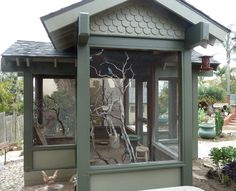 I like this idea for a chicken coop. not too small, but not one long run either.
