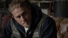 [UL/OB/KF/180U] Sons of Anarchy S07E06 Smoke em if You Got em WEB-DL x264-FUM (445MB) - Snapshot 2