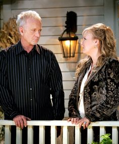 General Hospital: Luke dan Laura Spencer Played By: Anthony Geary dan Genie Francis