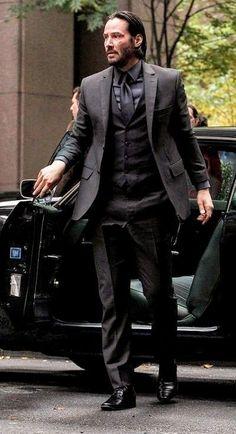 Black Three Piece Suit, Black Suit Men, Mens Fashion Suits, Mens Suits, Groom Suits, Groom Attire, Style Gentleman, Keanu Reeves John Wick, Richard Madden