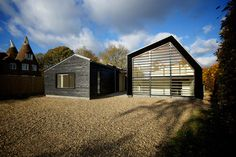 Nash Baker Architects new build contemporary barn style eco-house in Kent was built to Sustainable and Lifetime Home standards and constructed using cross-laminated timber panels. Contemporary Barn, Modern Barn, Vernacular Architecture, Residential Architecture, Architecture Design, Timber Cladding, Farmhouse Remodel, Timber House, House Extensions