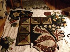 I couldn't find this on the link but it is going to be an amazing rug and I want to see it finished.