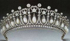 The Cambridge Lover's Knot Tiara was fashioned from Queen Mary's jewels by Garrard in 1914...