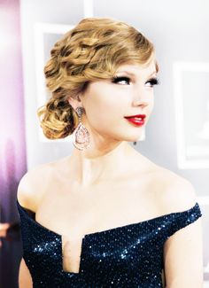 Taylor Swift at the GRAMMYs 2010