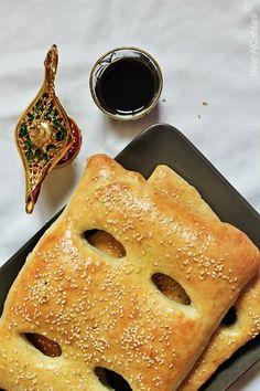 Churek (Iraqi Sweet Sesame Flatbread).