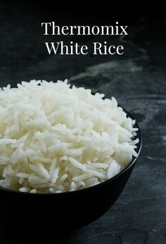 Cooking Thermomix White Rice has never been easier and the good thing is you can set and forget without having to worry about the saucepan boiling over. How to cook white rice in the Thermomix without it boiling over on the stove. Sushi Recipes, Vegetarian Recipes Easy, Delicious Vegan Recipes, Clean Recipes, Whole Food Recipes, Side Recipes, Recipies, White Rice Recipes, How To Boil Rice