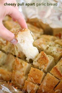 Cheesy Pull Apart Garlic Bread – Six Sisters' Stuff