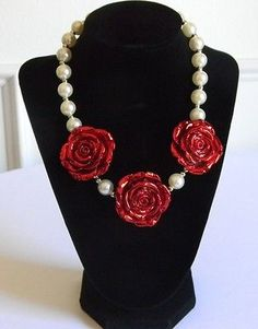 Girls Boutique Necklace 3 Red Roses with Faux Off White Pearls Costume Jewelry