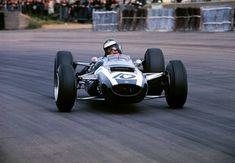Jochen Rindt (No. 10 Cooper Climax in the British Grand Prix at Silverstone, July Sports Car Racing, F1 Racing, Sport Cars, Motor Sport, Classic Race Cars, Classic Auto, Jochen Rindt, Gilles Villeneuve, British Grand Prix