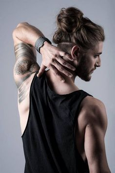 long hairstyles for men with knots and buns #cool #hairstyles #men #ideas