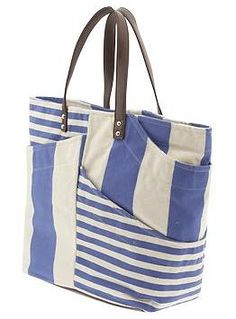Piperlime Beach Gear - Fashionista Dani... this just might be THE tote for summer beach trips. #PinSavvy