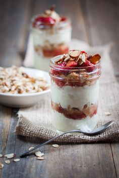 Roasted Strawberry & Vanilla Almond Parfaits- Looks like it would be good with ice cream!