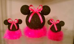 3 Minnie Mouse centerpieces by JaiNJor on Etsy, $38.00    CUTE I could make these!