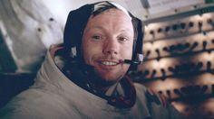El astronauta lo tuvo escondido en el armario de su casa hasta que su viuda lo encontró por azar.  Vea la galería