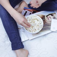Las Palomitas de maíz son muy ricas en triptófano, un aminoácido que puede evitar el Insomnio al favorecer la relajación a nivel cerebral e incrementar la producción de serotonina, la hormona del sueño.  ¡Pruébalas como snack nocturno y verás la diferencia!
