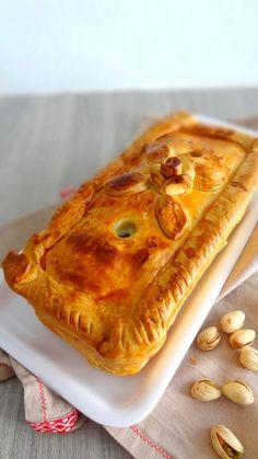 Hausgemachte Torte - Rock the Bretzel - noël - Mousse, Pate En Croute Recipe, Rock The Bretzel, Quiche, Homemade Pie, Food Staples, Charcuterie, Dough Recipe, Savoury Cake