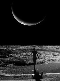 Everyone knows how much I love the moon. This picture is amazing!