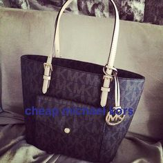 Michael Kors Jet Set Logo Large Coffee Totes Is Of Discount Price And Offers Best Service For You!