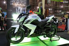 ¡Wow! New Kawasaki Z250 Naked.
