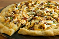 CHICKEN/BACON/RANCH PIZZA