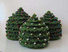 Hat crochet pattern! ADORABLE Christmas tree hat is so much fun to make!