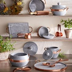 Soapstone and copper cookware set from Brazil Kitchen Supplies, Kitchen Items, Kitchen Utensils, Kitchen Gadgets, Cooking Utensils, Copper Kitchen, Kitchen Dining, Kitchen Decor, Pots And Pans Sets
