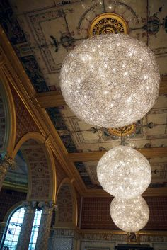 These are the decorations in the tourist snack bar. Finer than most cathedrals. Victoria and Albert Museum. London