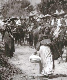 Valientes mujeres mexicanas siguiendo a sus hombres a la batalla durante la Revolución